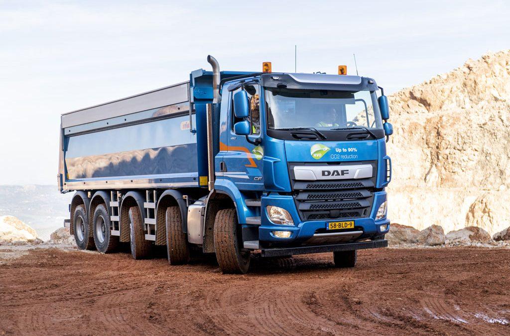 Chasis rígidos de hasta 50 toneladas y tractoras especiales hasta 120 toneladas